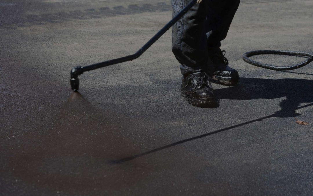 5 Common Questions About Sealcoating Asphalt