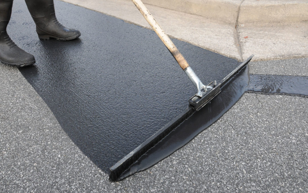 How Sealcoating Helps Preserve Driveways and Parking Lots